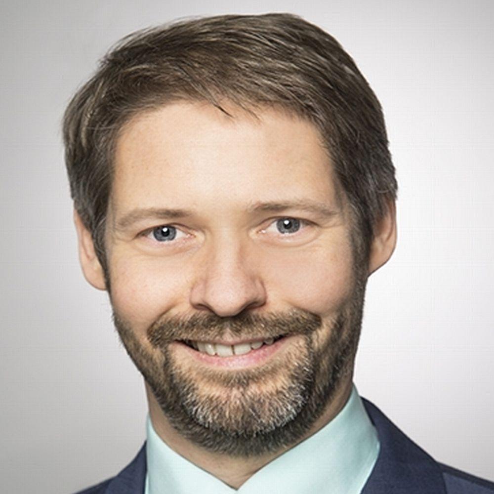 Dr. Michael Schopferer